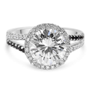 halo diamond ring from the front view