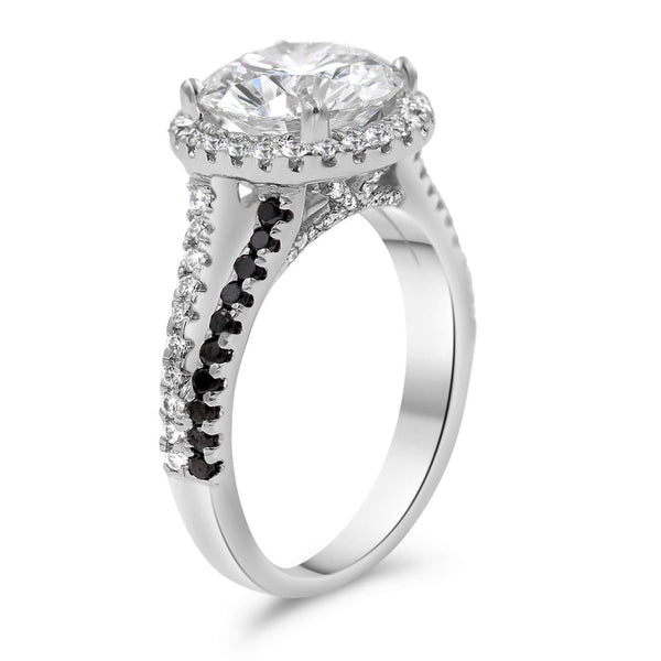 halo diamond ring from the side view