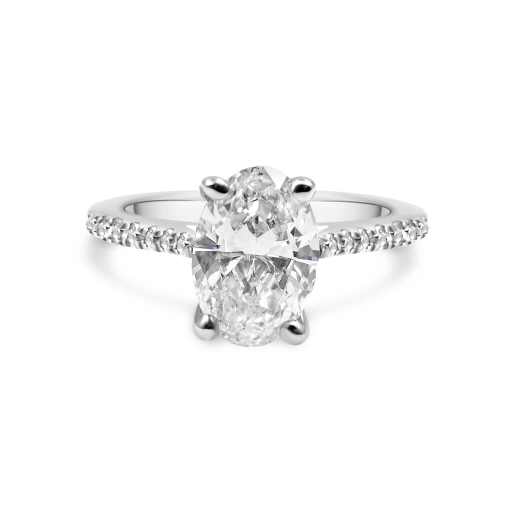 ESTHEFANNIA | Oval Traditional Cathedral Engagement Ring