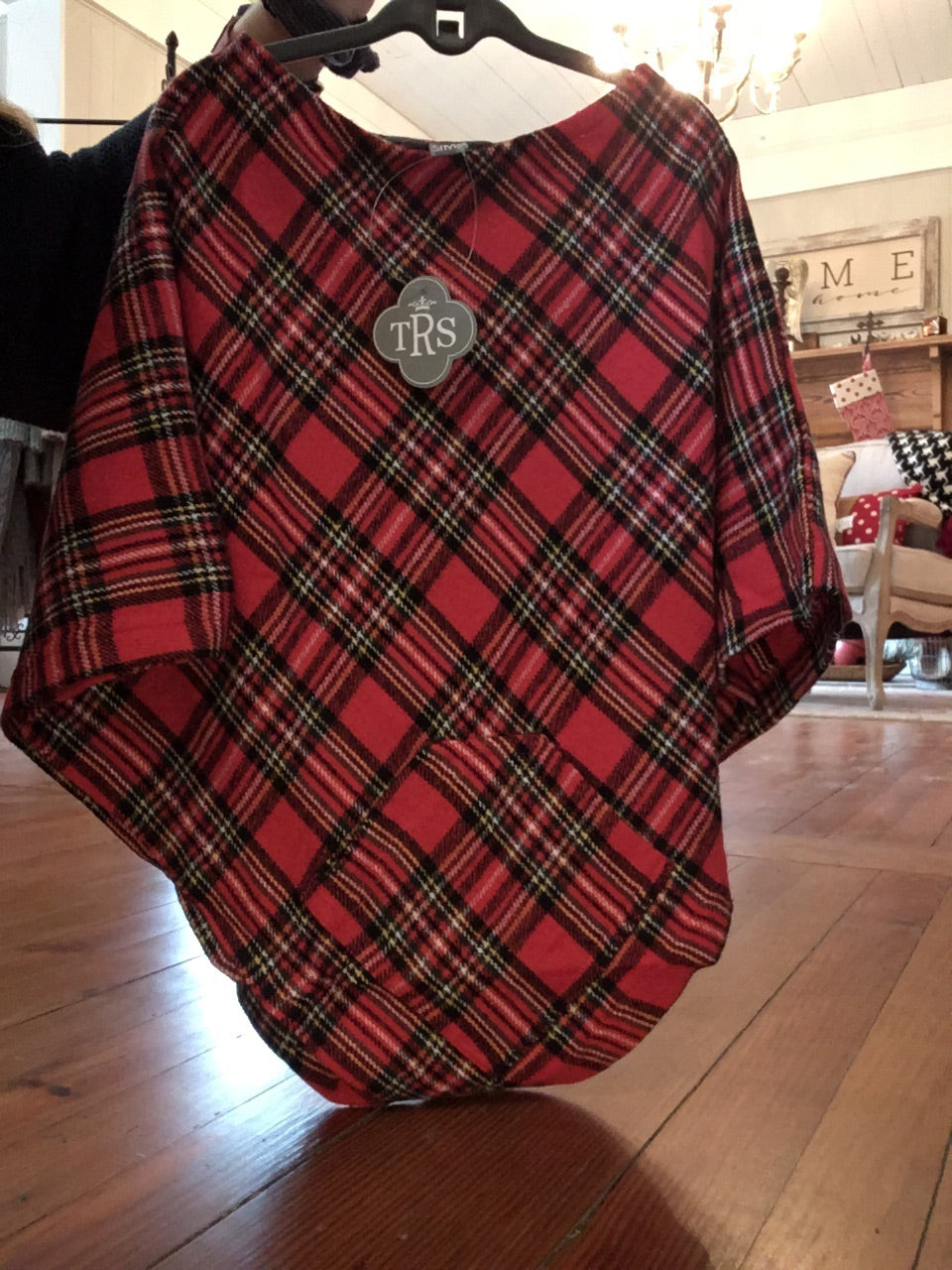 Kids poncho (red plaid)