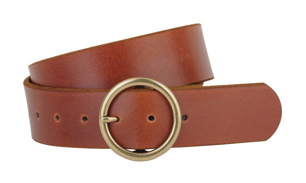 "A classic tan leather belt with circle copper-toned buckle.  Measures 1.75"" wide"