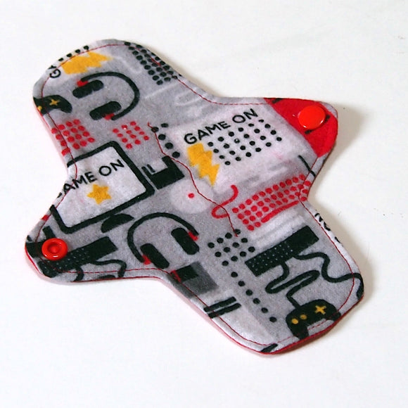 7 inch Reusable Cloth winged ULTRATHIN Pantyliner - Game On! Cotton Flannel Fabric