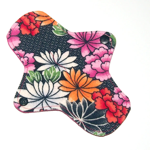 7 inch Reusable Cloth winged ULTRATHIN Pantyliner - Asian Floral flannel top