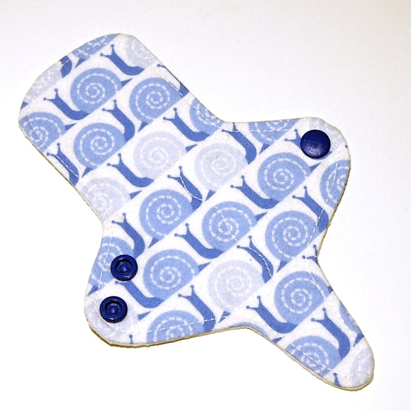 All Organic ULTRATHIN Reusable Cloth Pad 7 inch Adjustable Thong liner - Snails - Cotton flannel top