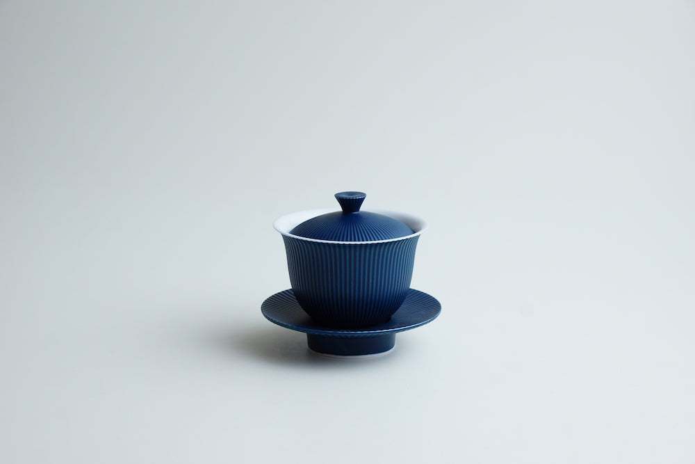 Blue mat lidding cup