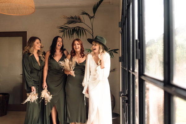 BEHIND THE SCENES BRIDESMAIDS PHOTOSHOOT
