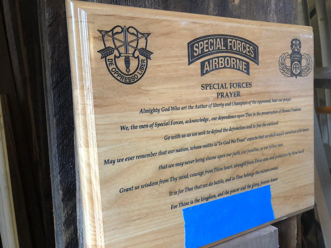 Personalized US Army Special Forces Prayer Plaque, solid wood 10.5 x 13 inches, 3 lines of text, custom promotion