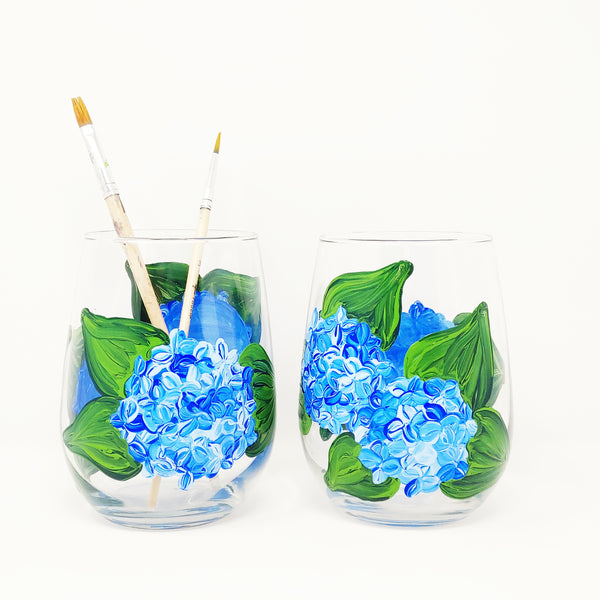 Hydrangea Paint & Sip at Hawk Ridge Winery in Watertown CT | 4.24.20 | 6-8 PM