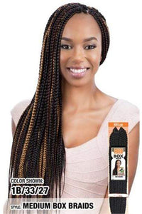 Model Model Box Braid 1 Model Model Glance Braid - GB055 Medium Box Braid