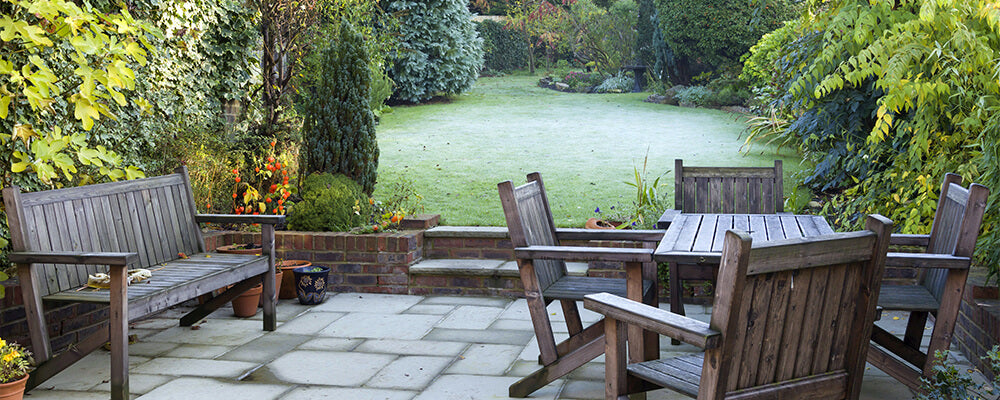 B&B-spring-bulbs-planted-in-fall-frost-garden