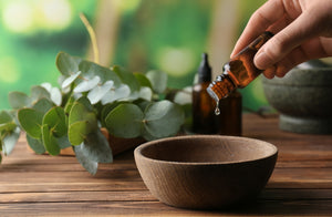 beauty industry marketing claims: therapeutic grade essential oils