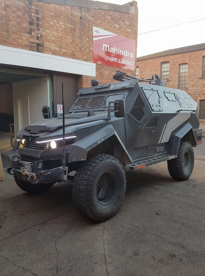 Tank from Pacific Rim 2, built on top of a Land Rover. For sale if interested!