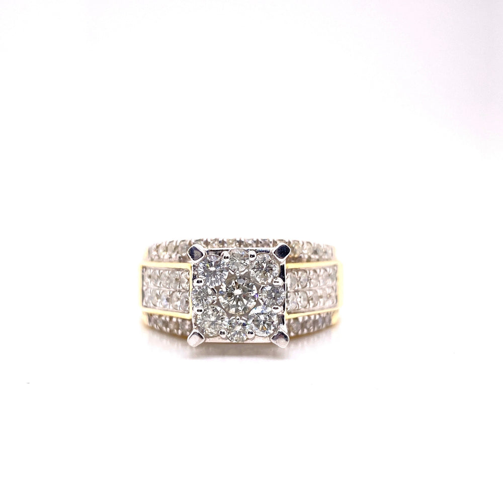 Cluster Set Ring Round Cut Diamonds