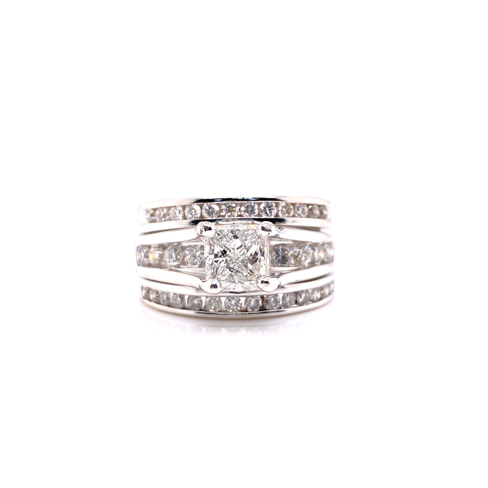 Solitaire Princess Cut & Round Cut Diamond Ring