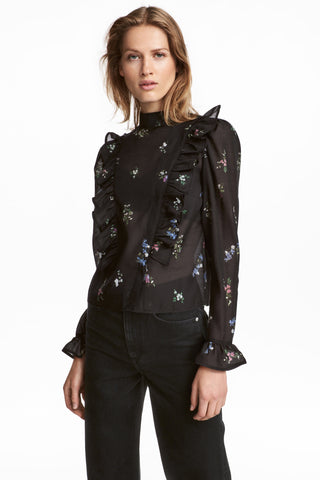 Puff-sleeved frilled blouse