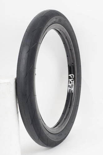 CULT FAST AND LOOSE TYRE 20 X 2.4