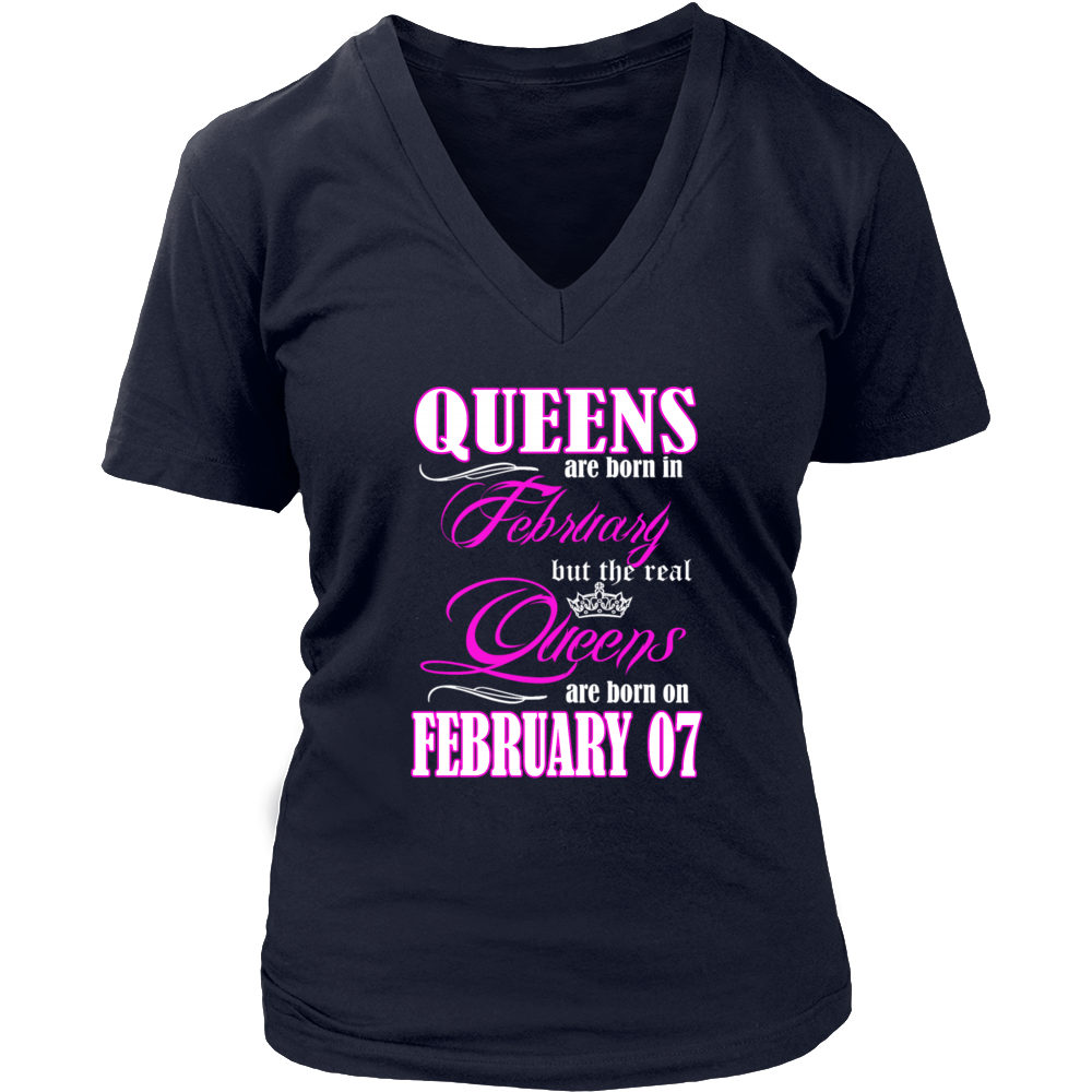 Birthday Queens Are Born On February 07 Hoodie Tank-Top