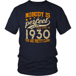 Legends Vintage Made In 1930 88th Birthday Gift 88 years old T-Shirt