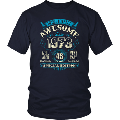 Vintage Born in 1973 45th Birthday 45 Years Old Awesome Gift T-Shirt