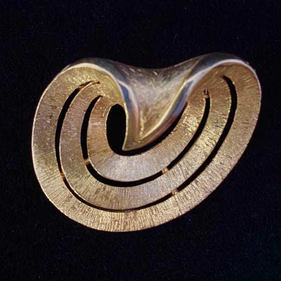 Late 50s/ Early 60s JJ (Jonette Jewelry) Gold Brooch - Retro Kandy Vintage