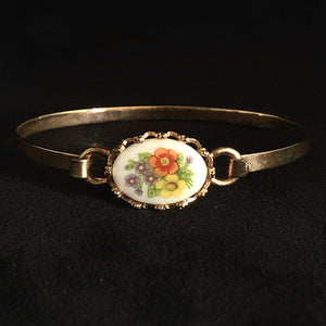 1975 Avon French Flowers Bracelet - Retro Kandy Vintage