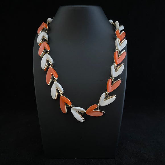 1950s Claudette Thermoset Necklace - Retro Kandy Vintage