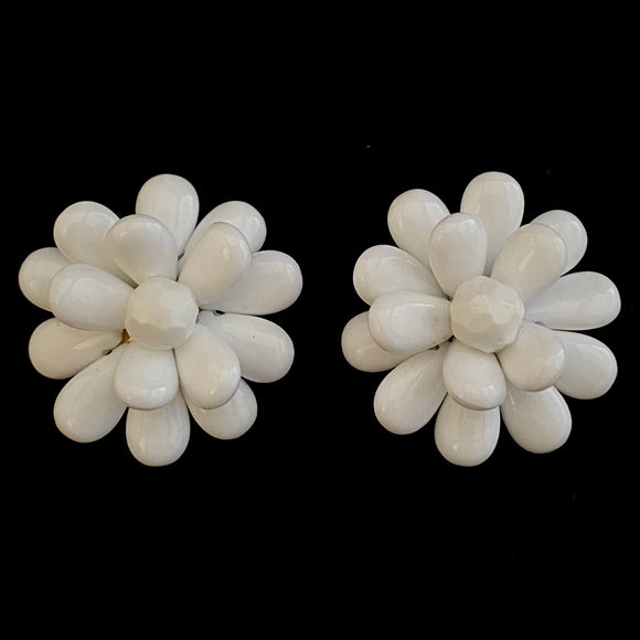 1960s Hong Kong Flower Earrings - Retro Kandy Vintage