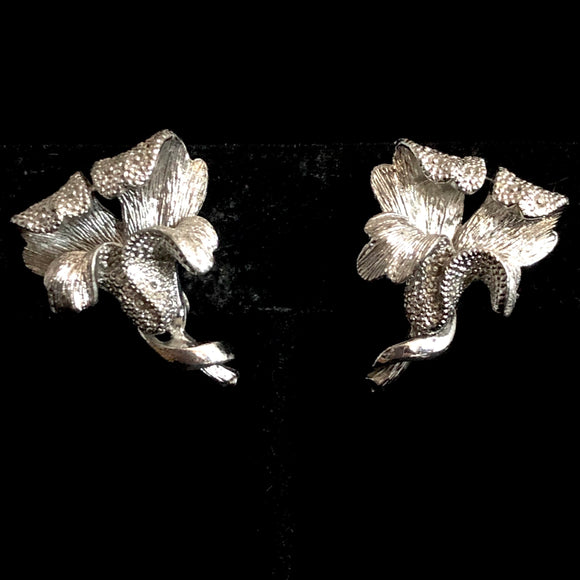 Late 50s/ Early 60s Coro Lily Earrings - Retro Kandy Vintage