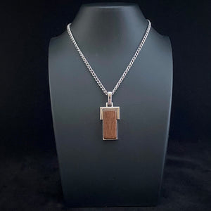 1979 Avon Natural Wood Pendant Necklace