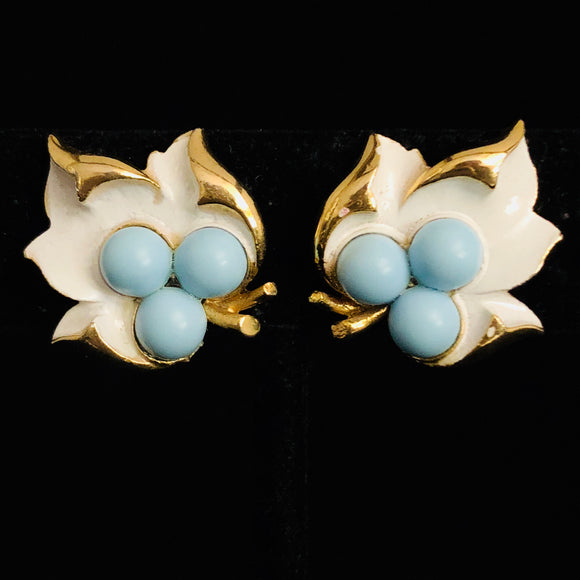 1967 Sarah Coventry Placid Beauty Earrings - Retro Kandy Vintage