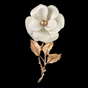 1972 Avon Snow Flower Brooch - Retro Kandy Vintage