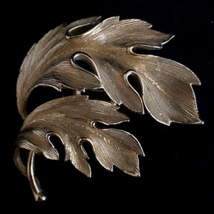 1960s Lisner Textured Leaf Brooch