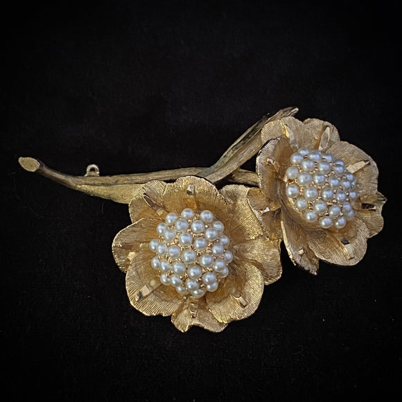 1950s BSK Gold & Pearl Flower Brooch - Retro Kandy Vintage