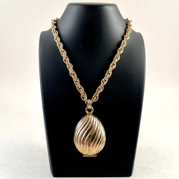 1968 Avon Golden Charmer Glace Necklace