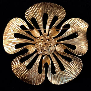 Late 60s/ Early 70s Trifari Flower Brooch - Retro Kandy Vintage