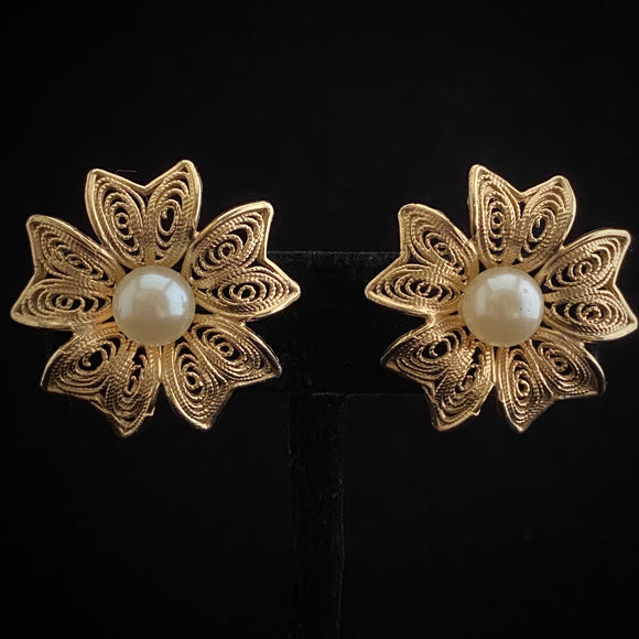 1950s Coro Gold & Pearl Flower Earrings - Retro Kandy Vintage