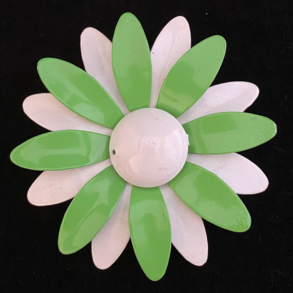 Late 60s Early 70s Green & White Enamel Flower Brooch - Retro Kandy Vintage