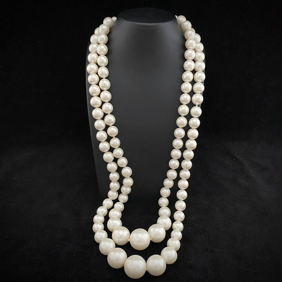 1960s Japan Hand-Knotted Faux Pearl Necklace