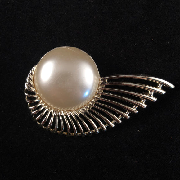 1956 Sarah Coventry Pearl Flight Brooch - Retro Kandy Vintage