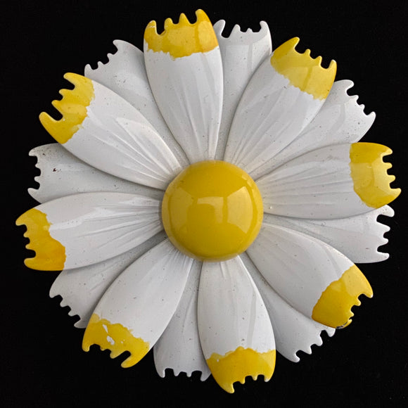 Late 60s/ Early 70s Daisy Enamel Brooch - Retro Kandy Vintage