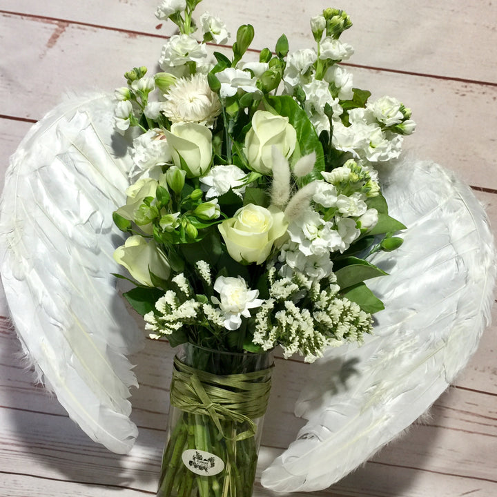 Looking for a Florist near you? Flowers by Cassy can deliver!