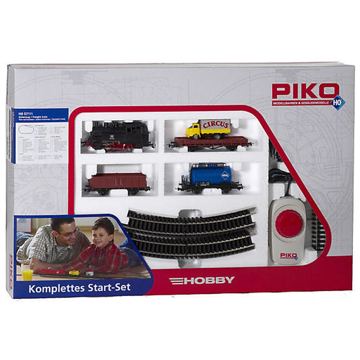 Starter Set Steam Loco with Freight Cars
