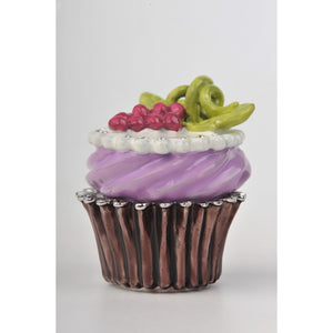 Cupcake with grapes by Keren Kopal