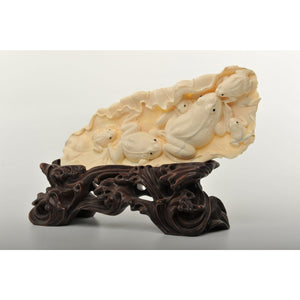 Mammoth Ivory- Frogs on Lotus Leaf