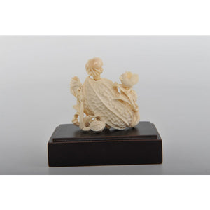 Mammoth Ivory- Snuff Bottle with Bees & Birds