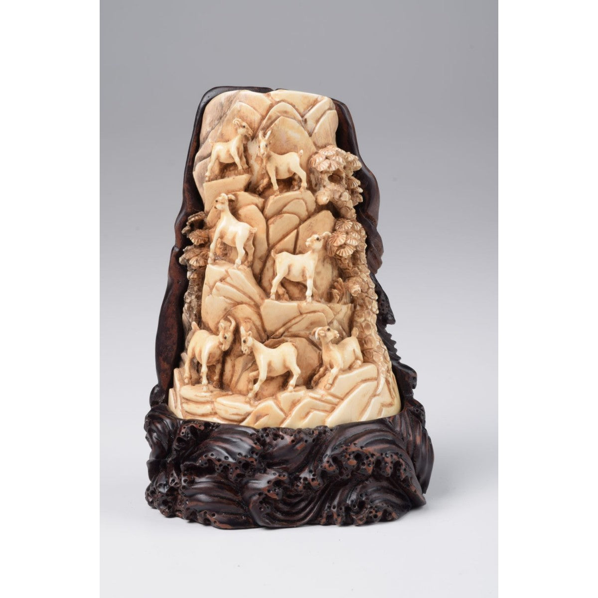 Mammoth Ivory- Goats Family
