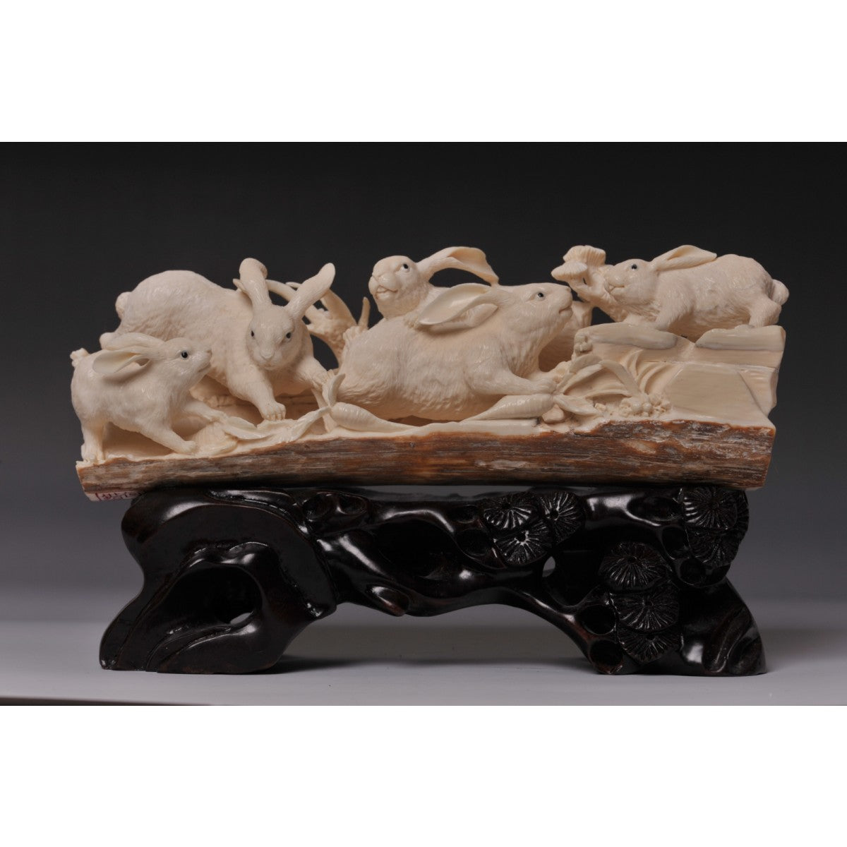 Mammoth Ivory- Rabbits Playing