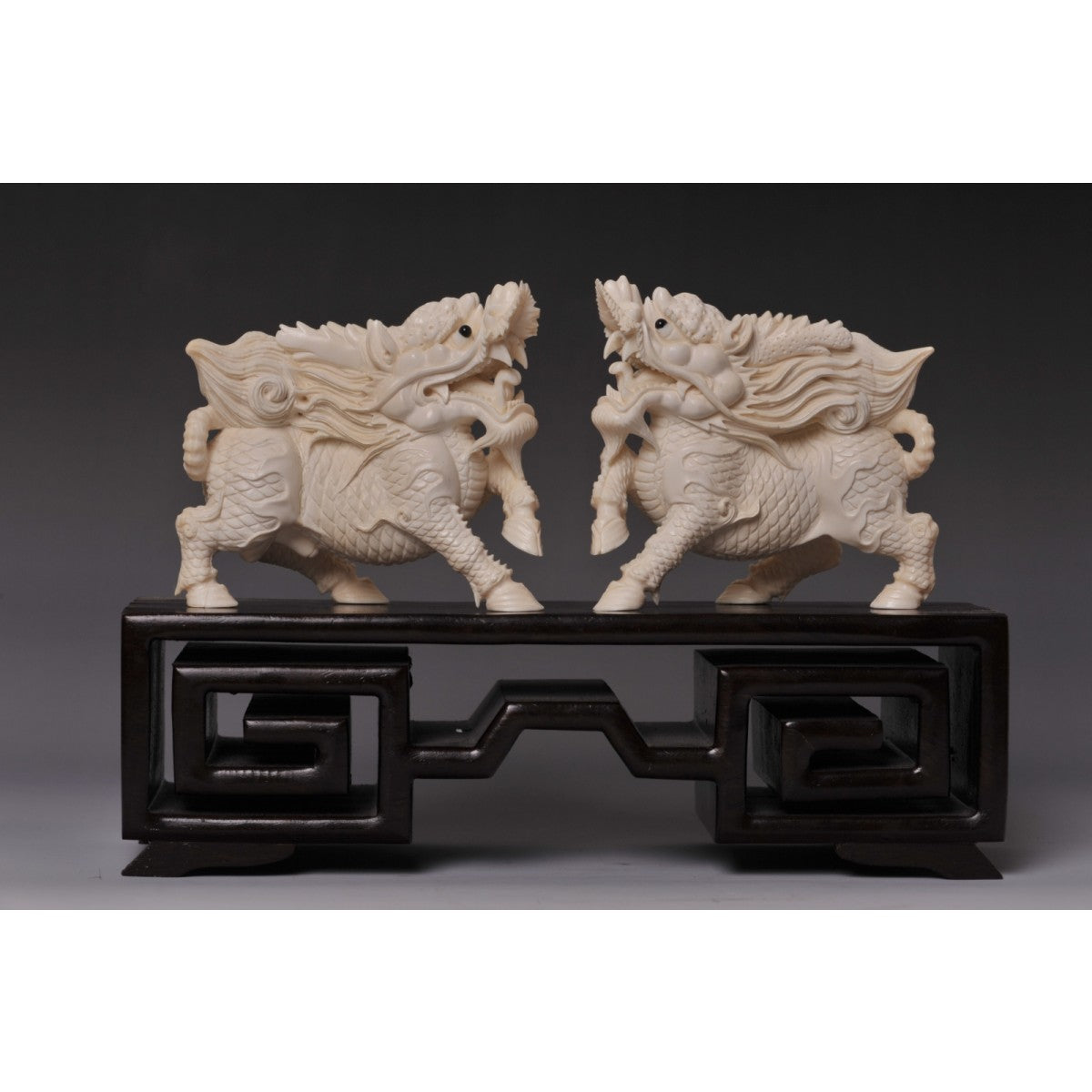 Mammoth Ivory- 2 Foo Dog