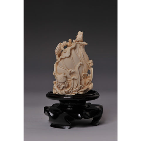 Mammoth Ivory- Snuff bottle turtles, fish and frog