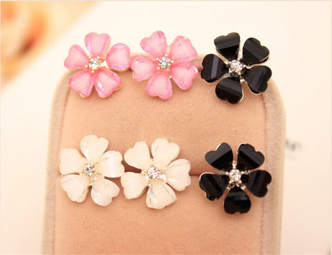 Beautiful Flower Crystal Stud Earrings - aptstorey